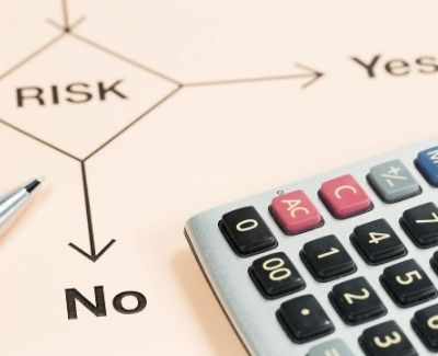 A risk diagram and accountant's calculator